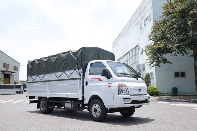 Xe tải 2T4 Daisaki máy isuzu